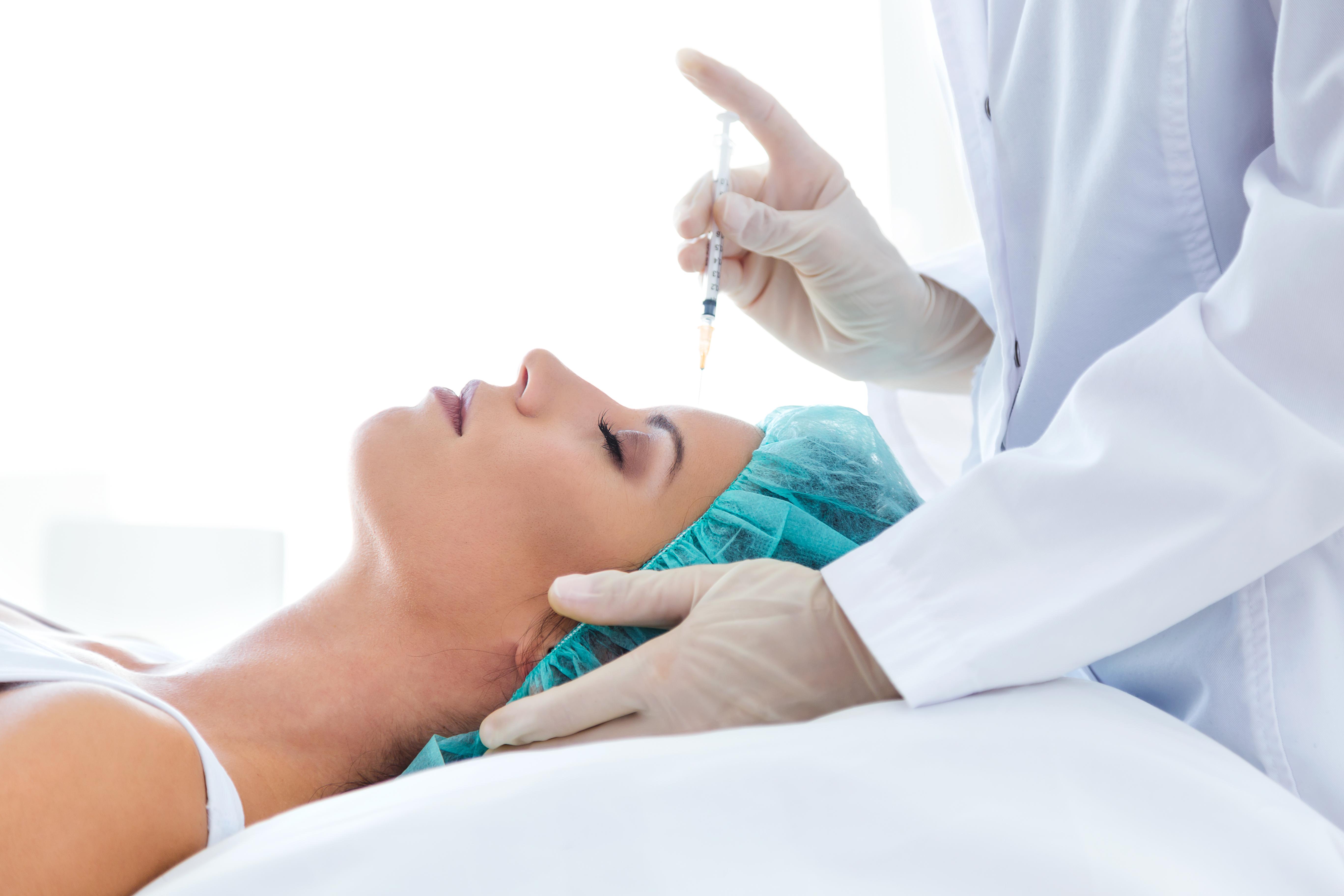 ŠkoIenie PLAZMATERAPIE (DRACULA TERAPIA)  - prirodzené omladenie krvnou plazmou pre zdravotné sestry